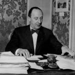 Piero Anfossi, primo presidente di Anie, ritratto nel suo ufficio negli anni '50. Anfossi era amministratore delegato delle industrie elettriche di Legnano